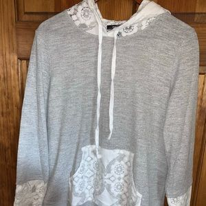 Doe & Rae Lace accent hoodie size M